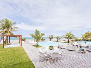 aberta para a paisagem, a arquitetura para a área de lazer em uma casa de praia | em breve na galeria de arquitetura residencial