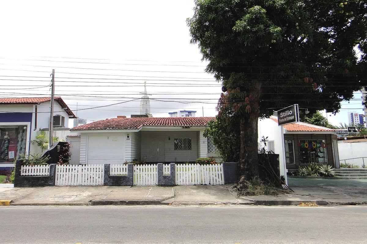 a fachada  |  antes da reforma