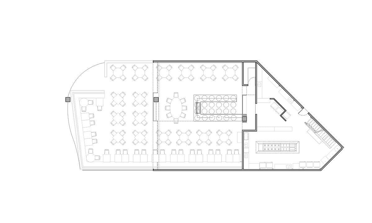 a planta baixa  —  a área é de 320.00 m2