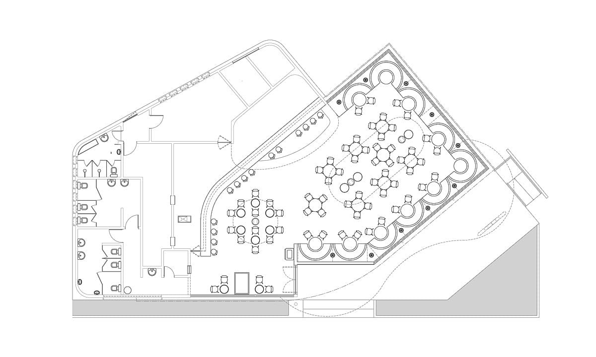 a planta baixa  —  a área é de 340.00 m2